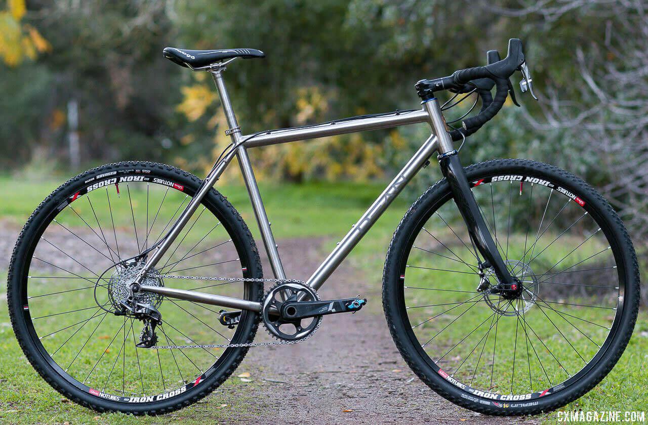 Gravel / Adventure bikes / Cyclocross Bike